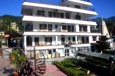 Divine Resort מלון רישיקש